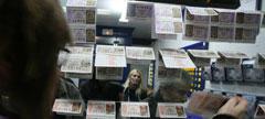 Las administraciones no paran de vender décimos para la Lotería de Navidad 2013