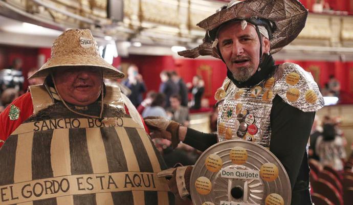 Don Quijote y Sancho Panza, espectadores en el Teatro Real.